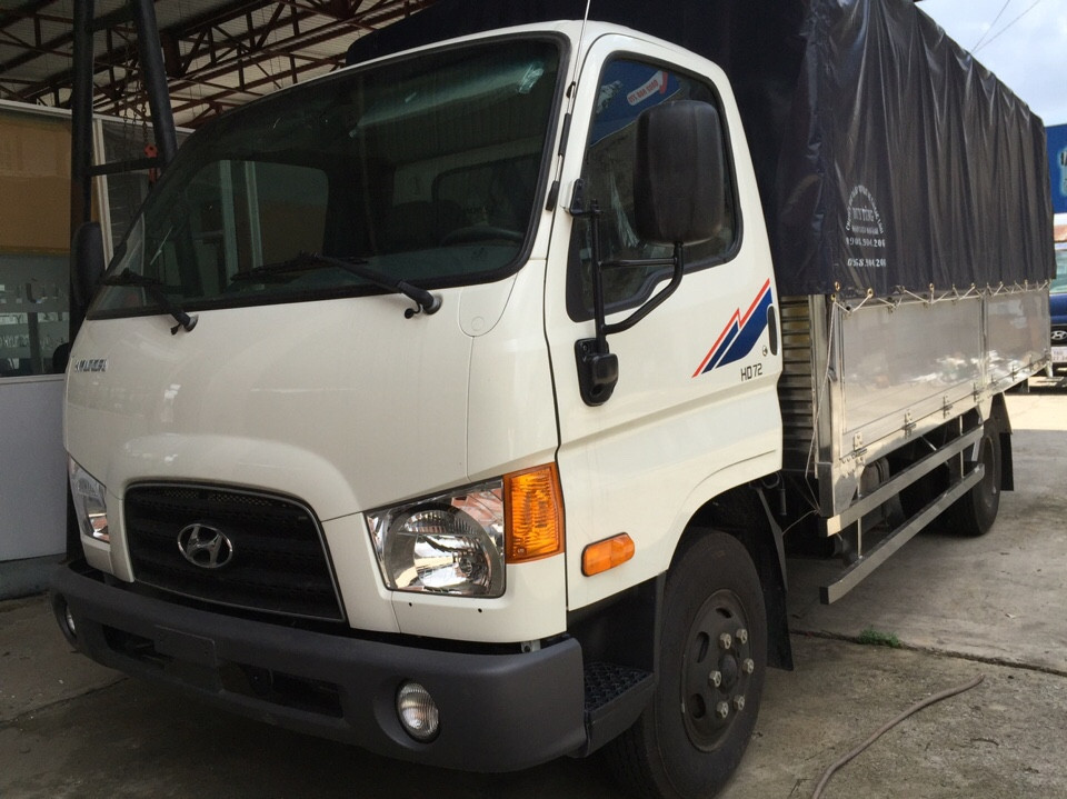 xe tai hd72 3,5 tan hyundai thung mui bat